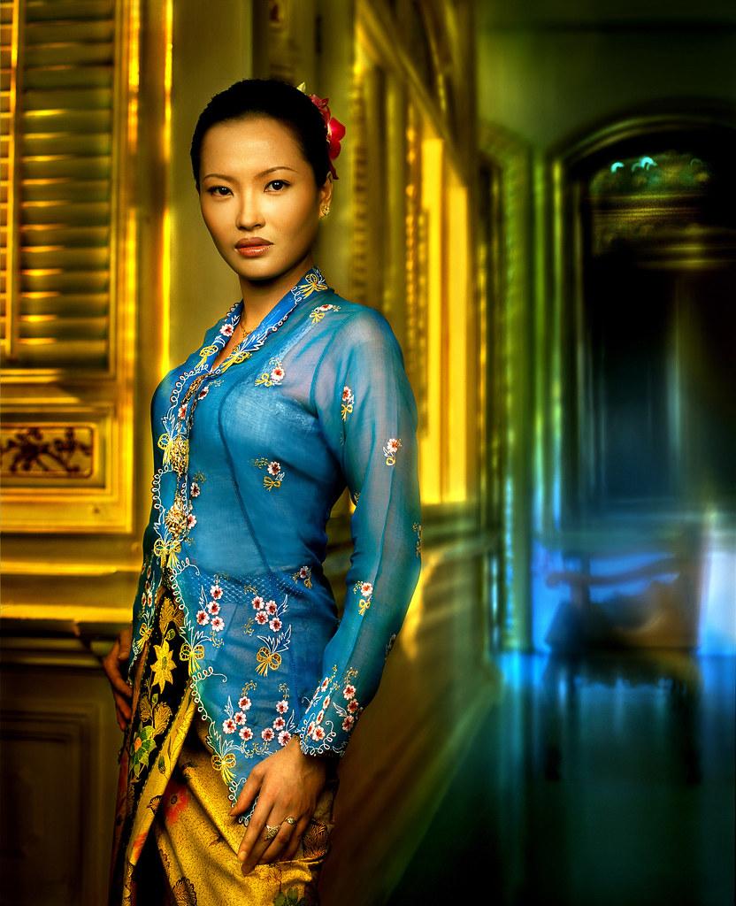 Nyonya Kebaya: Women's Costume from Malaysia - a photo on Flickriver