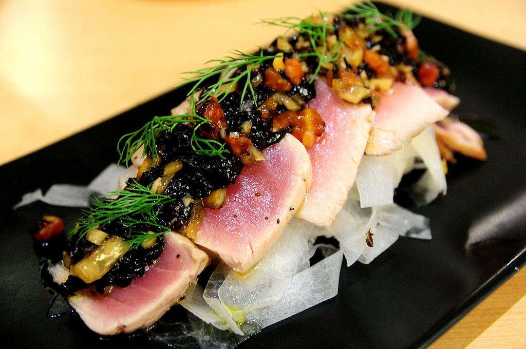Rainbow Row Sushi 紅彩壽司-炙燒鮪魚佐茄丁莎莎 NT$320