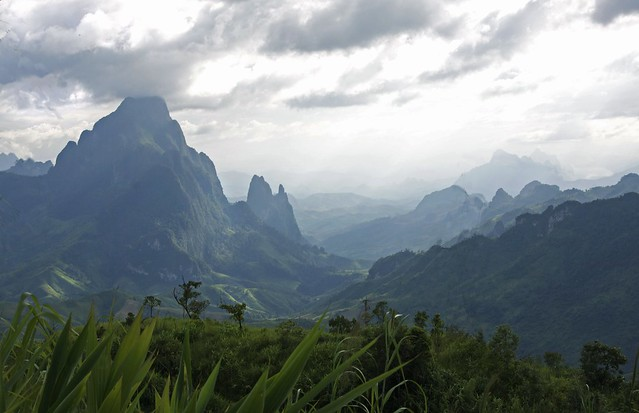 Limestone mountains laos ii flickr photo sharing - Beautiful panoramic view house to take full advantage of the scenery ...