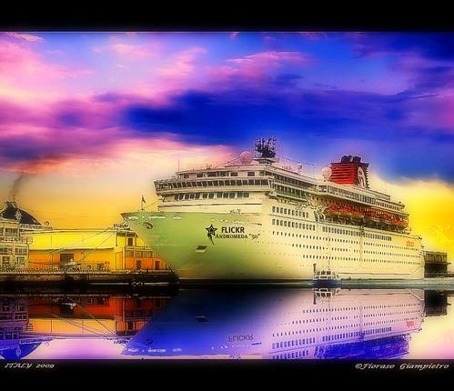 """la nave da crociera Flickr......""""Universal Elite""""...porto di Venezia ITALY"""