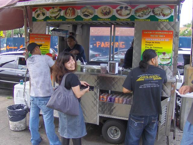 Food Trucks Roosevelt Avenue