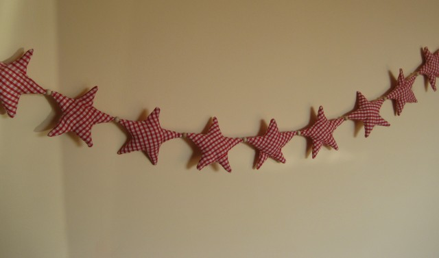Red Gingham Star Garland