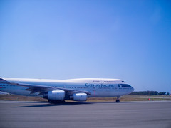 boeing 777(0.0), boeing 787 dreamliner(0.0), boeing 767(0.0), airbus a330(0.0), airline(1.0), aviation(1.0), airliner(1.0), airplane(1.0), boeing 747-8(1.0), wing(1.0), vehicle(1.0), air travel(1.0), boeing 747-400(1.0), boeing 747(1.0), wide-body aircraft(1.0), takeoff(1.0), jet aircraft(1.0),