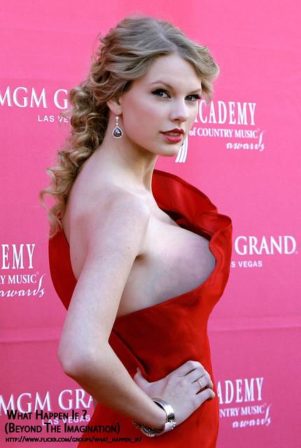 Taylor swift boob