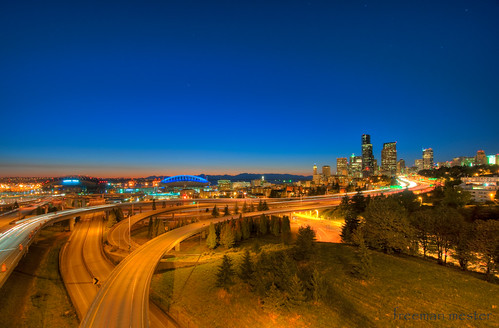 seattle longexposure night lights nikon streaks hdr 10mm d90 3xp 1024mmf3545g mserizaloct2009