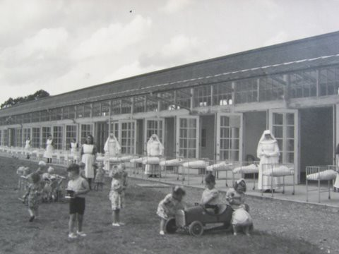 Children Playing Outside Sean Ross Abbey Flickr Photo Sharing