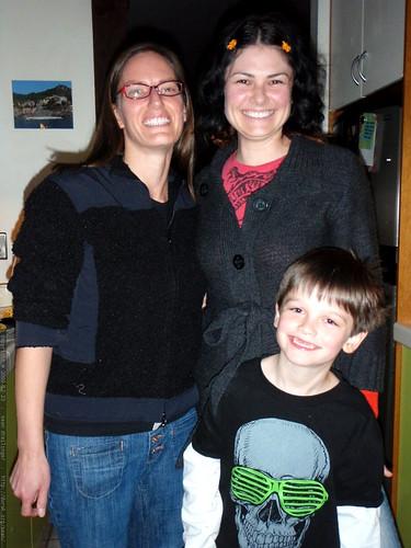 aunt sara, rachel, and great nephew nick   PB290165