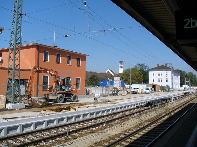 ingolstadt bayern bavaria deutschland germany bahnhof railway station und dahinter die. Black Bedroom Furniture Sets. Home Design Ideas