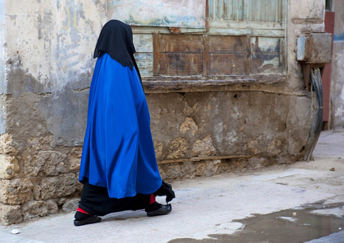 Blue burqa woman in Jeddah streets - Saudi Arabia