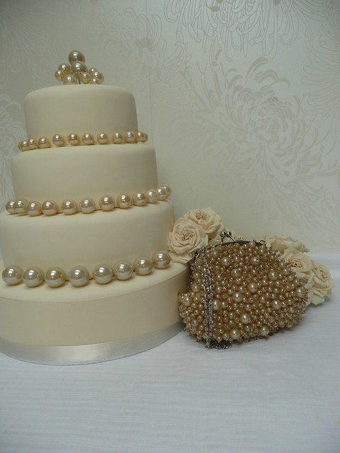 ivory pearls wedding cake | ivory wedding cake with ...