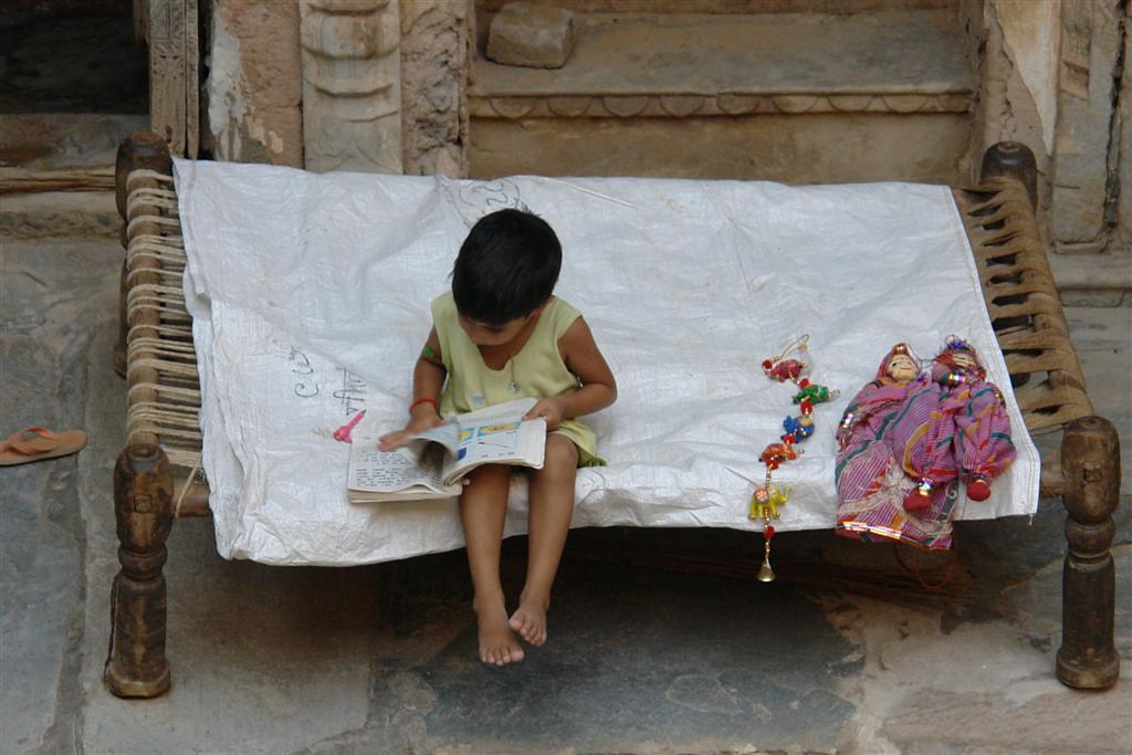 La vida en el interior de los Haveli es tranquila y sencilla. Transmite mucha paz. Mandawa, La esencia rural de los Haveli - 4069664276 fa7f22964c o - Mandawa, La esencia rural de los Haveli