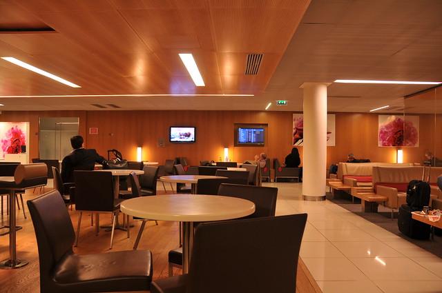 Salon air france au terminal 2e de roissy cdg a roport for Salon air france terminal 2e