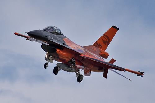 F16 Fighting Falcon  (J-015)