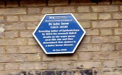 Photo of John Snow blue plaque