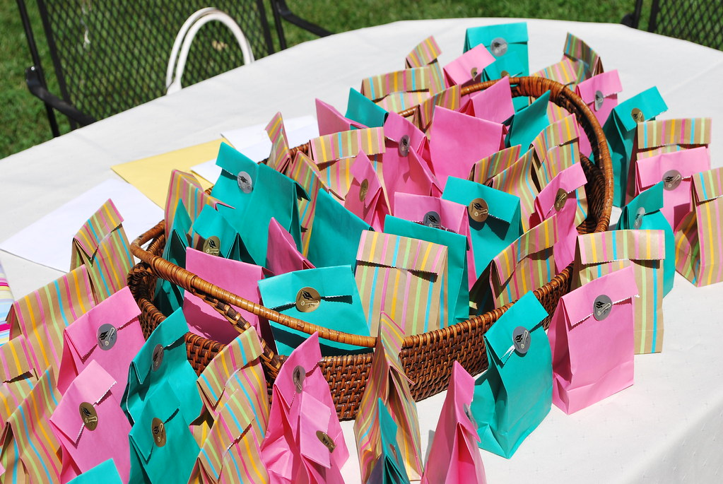 Gift Bag Ideas For 1 Year Old Birthday Party Inspirations Of