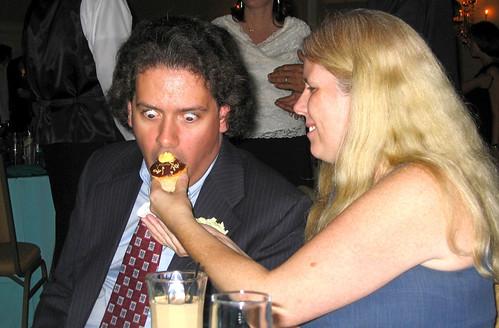 3937846669 dd9c3647ea 20090912   Britt & Chriss wedding   reception   Clint, Carolyn   funny cupcake face   (by Dad)