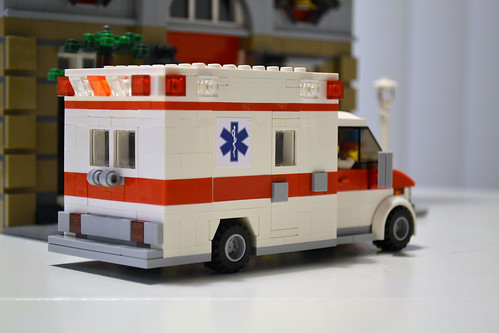 Moc type iii ambulance lego town eurobricks forums - Lego ambulance ...