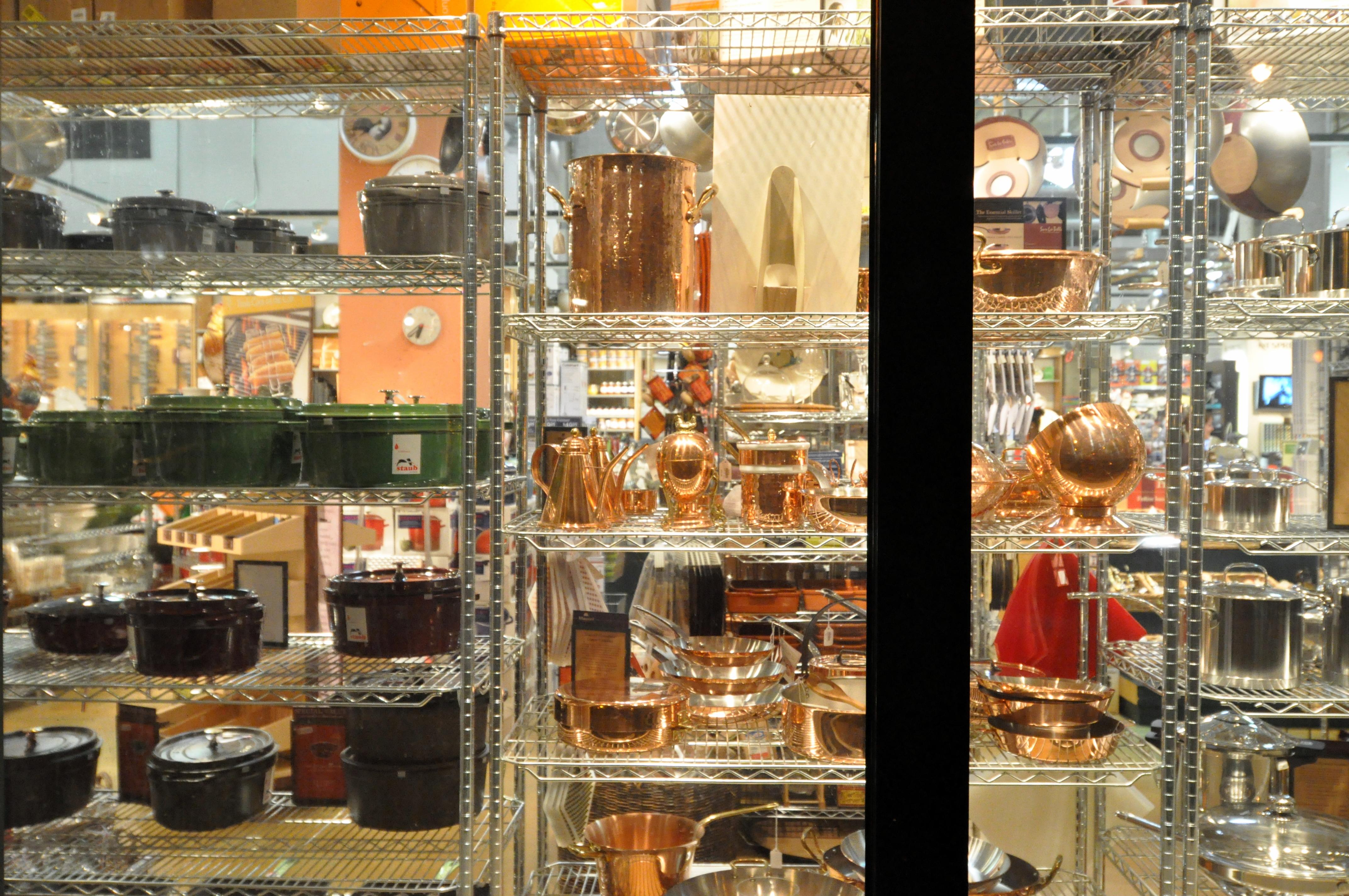 sur la table window kitchenwares viewed through window