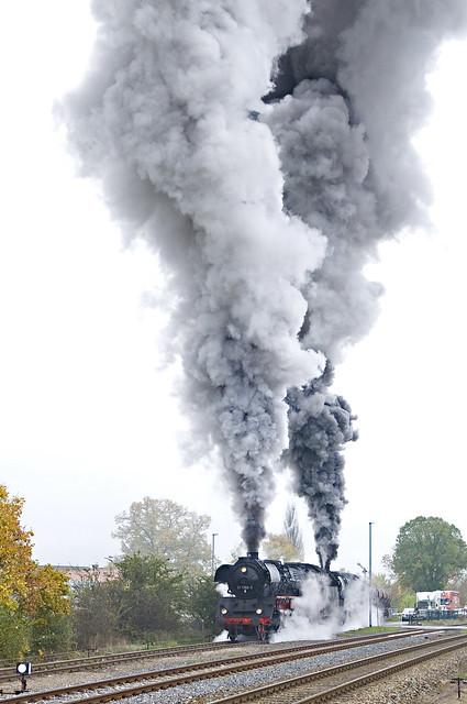 76. Het vertrek uit Immelborn van 41 1150 en 41 1144 met DGz 93358 naar Eisenach Gbf part 2 24-10-2009.jpg