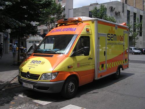 Ambulància al carrer Bailen de Barcelona