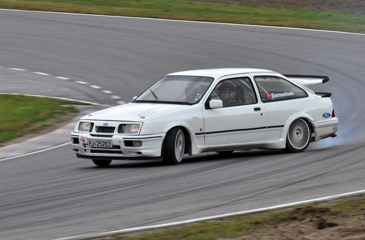 ford sierra cosworth rs 500 a photo on flickriver. Black Bedroom Furniture Sets. Home Design Ideas
