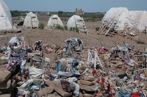 cemetery muslim centralasia 2009 urgench turkmenistan konyeurgench karakum views100 karakumdesert worldtrekker korezm 20090604dsc4444