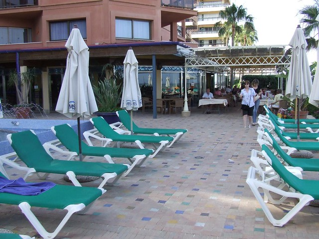 Torremolinos piscina de la hotel amaragua flickr for Piscina torremolinos