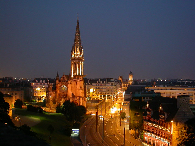 Caen by night