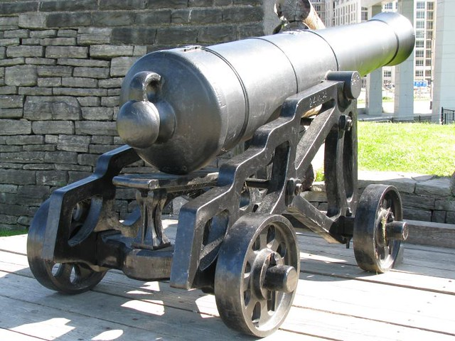 Fort York 21 - British - Iron 24 Pounder Cannon on a Cast Iron Garrison Carriage