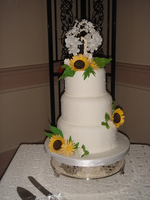 Sunflower Wedding Cake View 7 9 11 teirs Sunflowers yellow daisies and