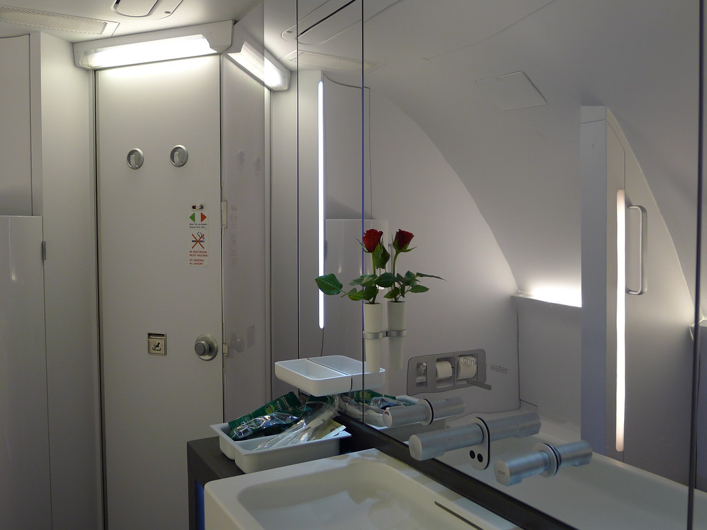 Airbus a380, First class and Bathroom on Pinterest