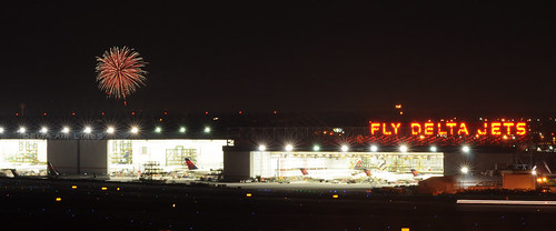 atlanta night fly airport long exposure fireworks atl jets hangar creative commons delta copyleft katl flydeltajets