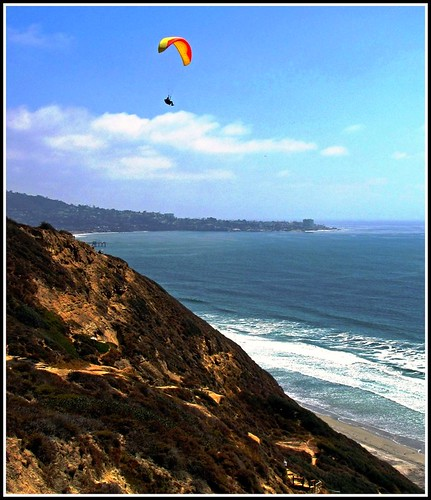Parachute over San Diego, Paragliding over the Ocean