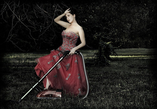 red portrait selfportrait me nature grass photoshop self nikon dress vacuum rita dirty cleaning d200 természet piros nikond200 fű ritakinyo porszívó 攝影發燒友 photofunnies platinumpeaceaward