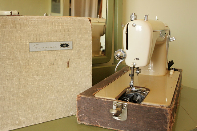 Montgomery Wards Signature Sewing Machine Instruction Manuals