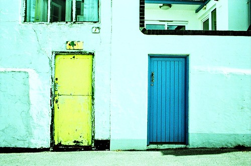 Yellow door, Blue door