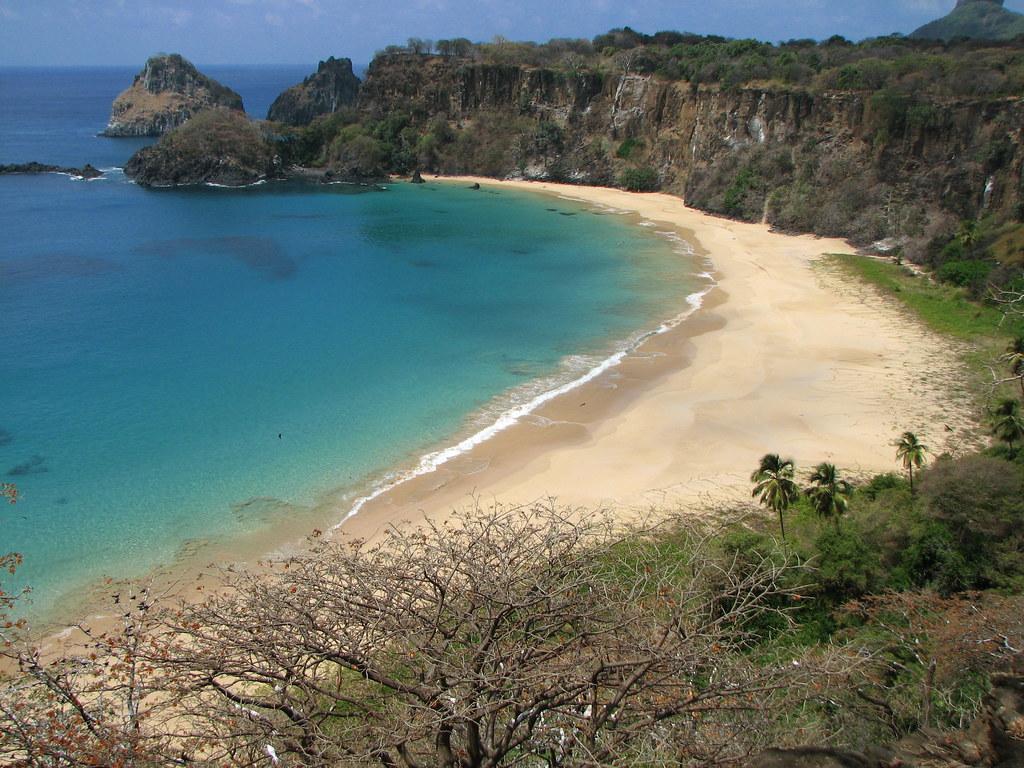 Praia do Sancho бразилия