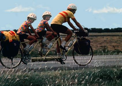 Bill Bliss and Daughters, Bikecentennial '76