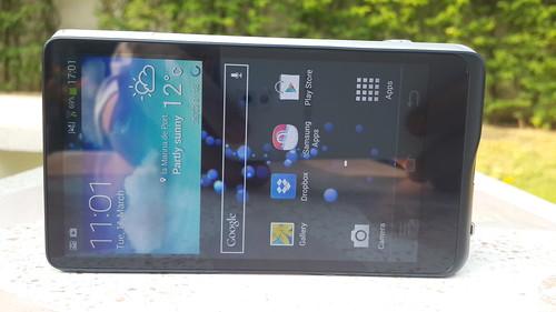 ด้านหลังของ Samsung Galaxy Camera 2