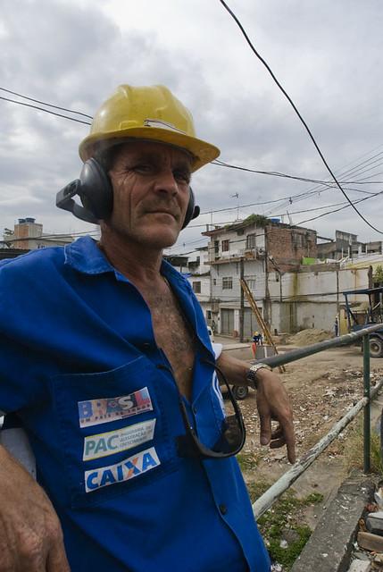 Trabalhador no Morro da Baiana (8)