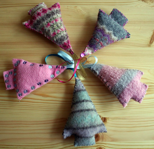 Christmas Tree Decorations Recycled: Recycled Christmas Tree Decorations
