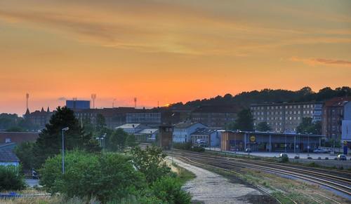 railroad sunset nikon hdr highdynamicrange randers d90 photomatix nikond90 afsdxnikkor18105mmf3556gedvr nikond90club