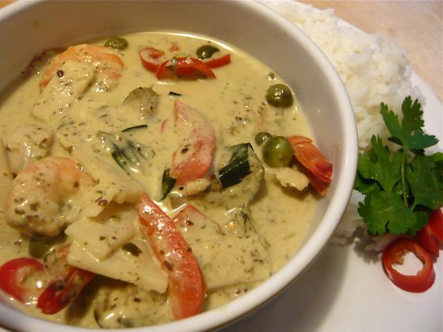 Thai green curry with prawns - Flickr CC wordridden