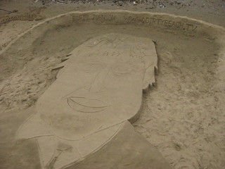 Image of DirtyBeach project. london beach southbank thamesfestival londonist borisjohnson gabrieswharf martinartman