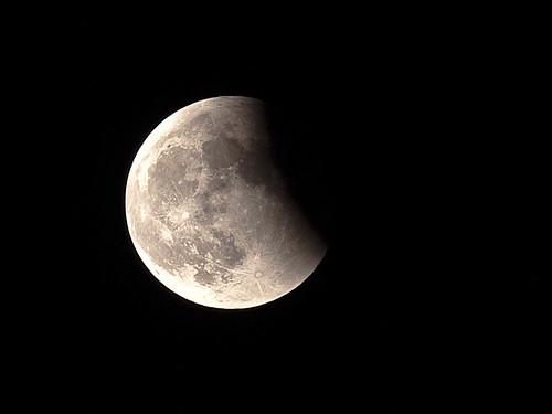 Eclipse de Luna 15-06-2011 Olympus E-620 + EC14 + Zuiko 50-200mm SWD + Trípode
