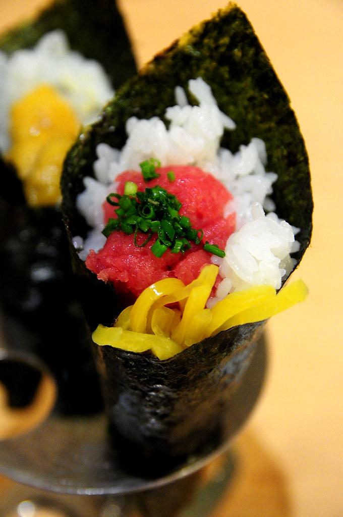 Rainbow Row Sushi 紅彩壽司-碎鮪魚蔥花手卷 NT$80