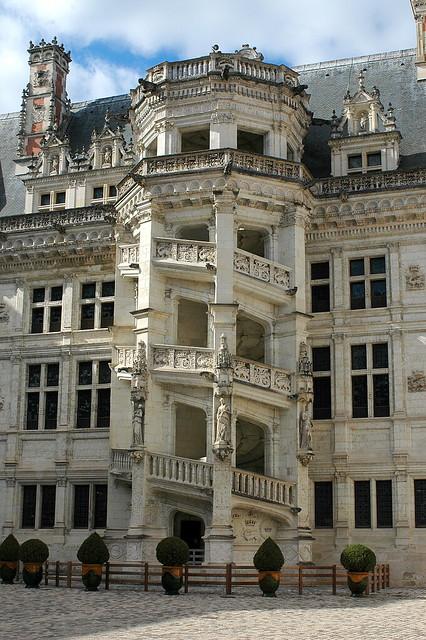 le grand escalier du ch 226 teau de blois flickr photo