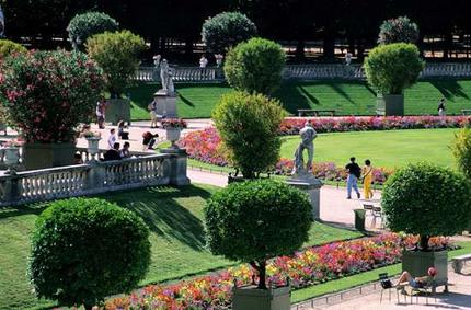 Bookingmom family holidays france paris for Arbres jardin du luxembourg