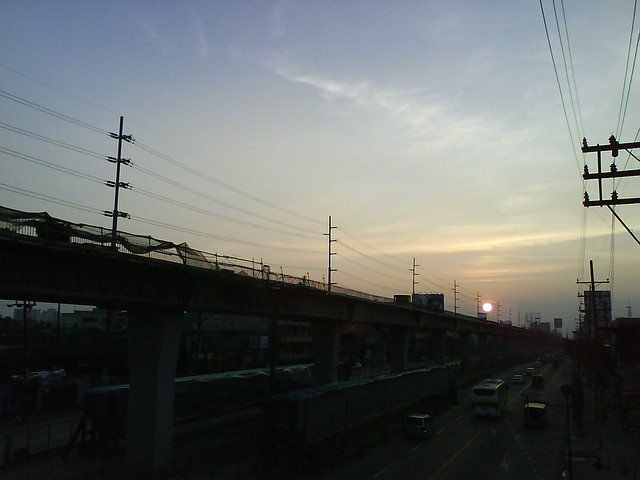 ~Sunset at EDSA after the Storm~