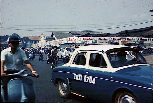 1967_SaigonStreetScene